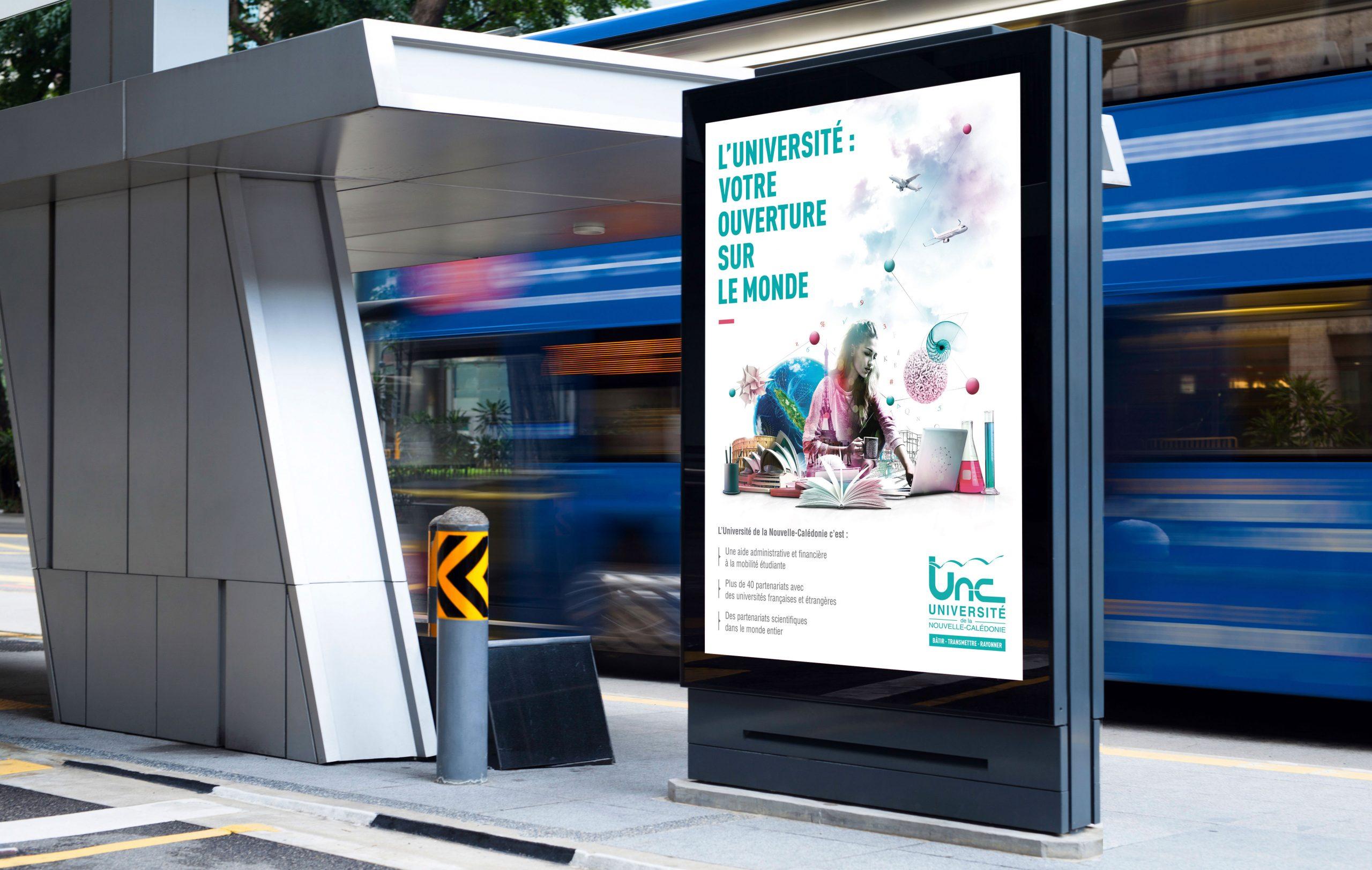 UNC-Affiches-Abris-Bus-Universite-Nouvelle-Caledonie